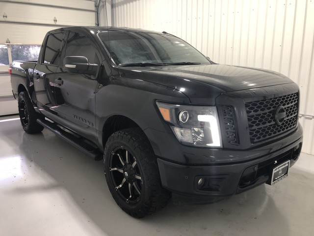 Pre-Owned 2018 Nissan Titan SV NON RENTAL!!