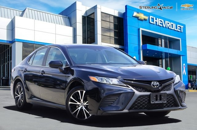 Pre-Owned 2018 Toyota Camry SE....