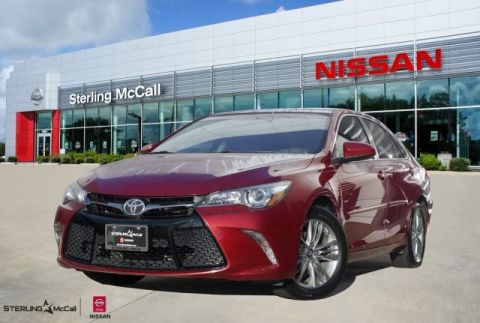 Pre-Owned 2017 Toyota Camry SE *** SUNROOF ***